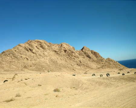 Sinai desert backgound with mountains, deserted landscape Фото со стока
