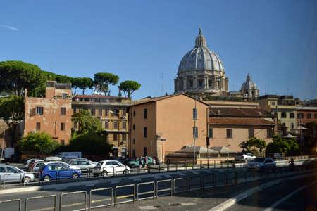 trees  summer: Verano �rboles calle camino catedral de Roma