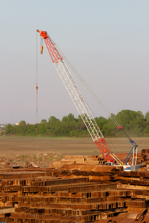 metal scrap: Metal scrap yard with heavy crane