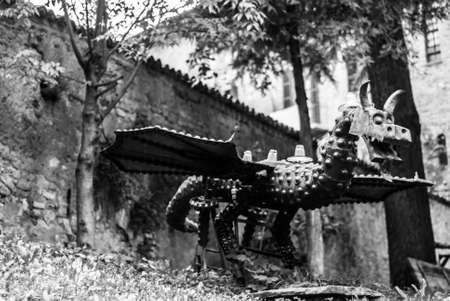 Iron Dragon Black and White Stock fotó - 88217826