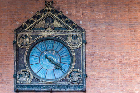 Ancient Clock at Palazzo della Marcanzia, Bologna - Emilia Romagna Stock fotó - 89856852