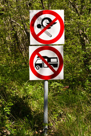 prohibited: Sign prohibited camping