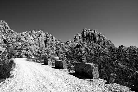 unpaved road: unpaved road in Dalmatia, Croatia
