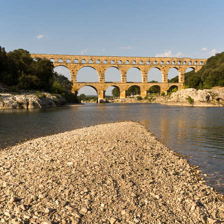 Pont du Gard in der Nähe von Nimes, Frankreich Standard-Bild - 65492431