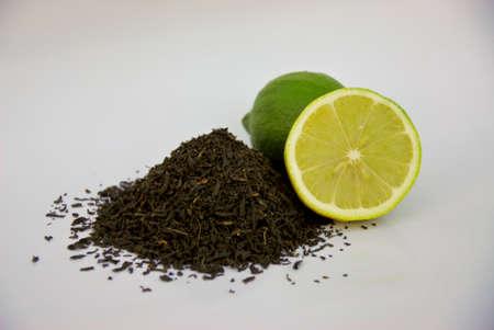 loose leaf: loose leaf tea and lemons