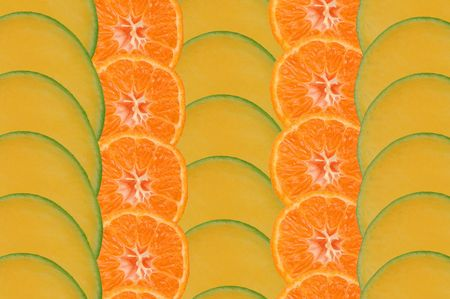 Composition made of slices of mango and tangerine