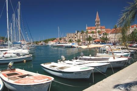 Barche a Milna sull'isola di Brac, Croazia