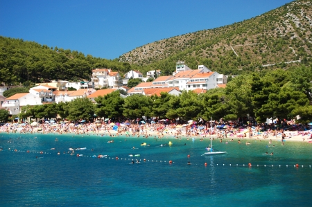 Drvenik, Croatia의 해변에서의 훌륭한 그림 같은 전망