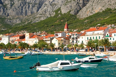 boats on restless adriatic sea in makarska, croatia 免版税图像 - 19865047