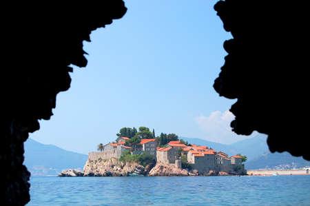 sveti: Picturesque gorgeous scenic framed view on Sveti Stefan, Montenegro