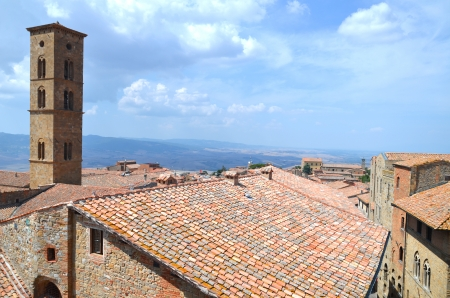 Picturesque view on historic buildings of Volterra in Tuscany, Italy 免版税图像
