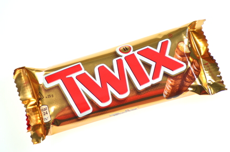 Twix cookie bars isolated on white background  에디토리얼