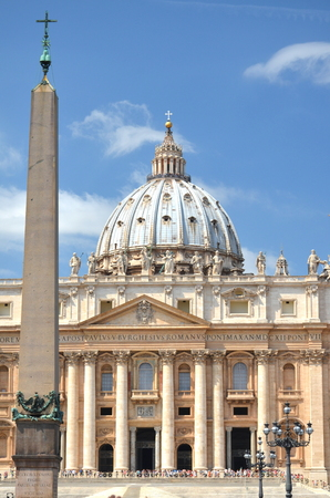 monumental: Monumental St. Peters Basilica in Rome, Vatican, Italy