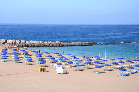 las vistas: Beautiful Playa de las Vistas in Los Cristianos on Tenerife, Spain