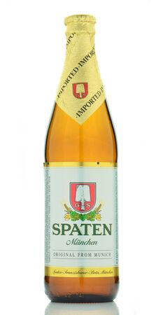 dewed: Spaten beer isolated on white background