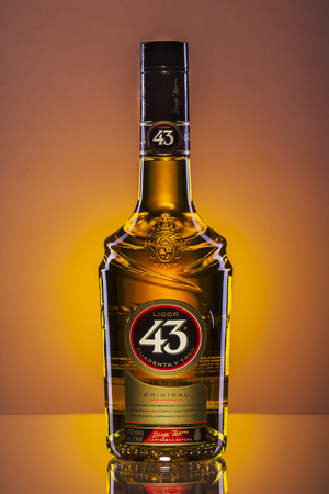 On Licor 43 gradient background