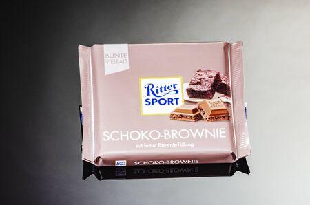 Ritter Sport chocolate bar isolated on gradient background Standard-Bild - 134908047