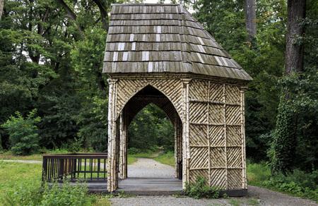 Birch wood fishing house on lake in park Maksimir, Zagreb Croatia 版權商用圖片
