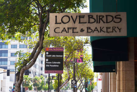 Pasadena CA in der Nähe von Lake Avenue und East Mount Boulevard Standard-Bild - 93315227