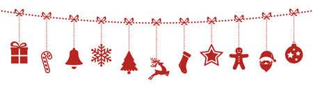 motivos navideños: adornos de navidad que cuelgan de la cuerda fondo rojo aislado