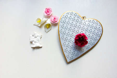 Big gold and white heart and flowers