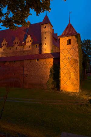 teutonic: Malbork, Poland - June 23, 2015: Night view of the medieval Castle of the Teutonic Order in Malbork Marienburg