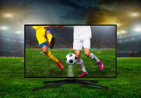 campeonato de futbol: viendo traducción smart tv de partido de fútbol.
