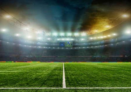 Stade avec les fans de la nuit avant le match. Le stade tout entier est dessiné dans photoshop programe. Banque d'images - 67231985