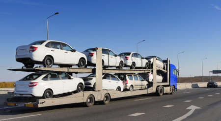 ROSTOV  DON. RUSSIA. M4-DON. 11.10.2018. The trailer is engaged in the delivery of new cars to their place of sales