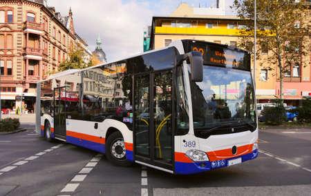 Germany.  Wiessbaden. 23.09.2019.   Public bus at Juarez street  Wiessbaden city - Image Banco de Imagens - 131819298