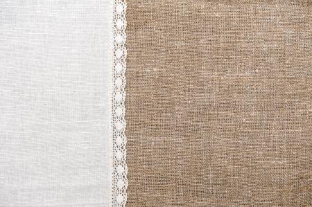 Jute achtergrond en linnen doek met kant