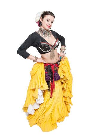 femme brune sexy: Belle ventre danseur exotique tribale femme isol� Banque d'images