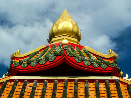 dole: Pavilion and blue sky at Wat Banglamung