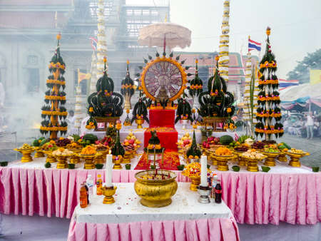 Casting buddha status and worship at Wat kra ting line