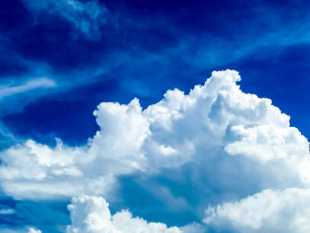 light complexion: light blue cloud in bule sky moving by soft wind