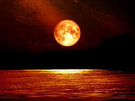 完全な血月空と川、NASA から提供されたこの画像の要素の月光 写真素材