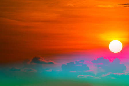 colorful heap red orange sunset cloud and sun on sky background Banque d'images