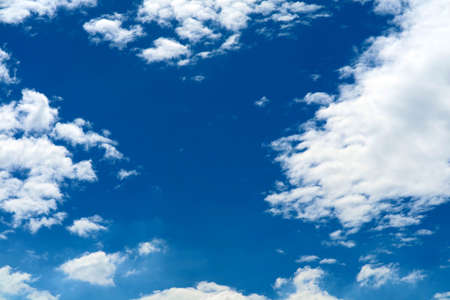 white spread heap cloud sunshine in blue sky soft cloud Imagens