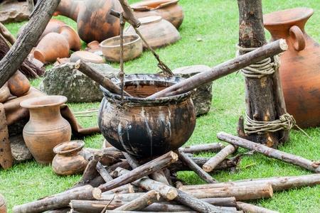 ollas de barro: cocina en el viejo estilo