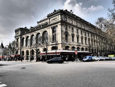 du: Theatre du Chatelet 1 Place du Chatelet, 75001 Paris