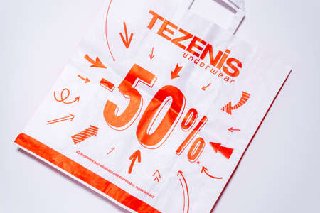 Tyumen, Russia-August 01, 2020: shopping bags, top view. Tezenis logo. Tezenis is an Italian fashion brand own by Calzedonia 新聞圖片