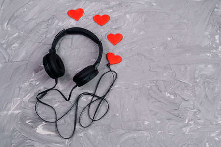 headphones on grey background. Music concept. Flat lay. Top view. Love music. copyspace Archivio Fotografico