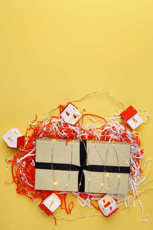 New Year or Christmas gift box holiday concept. Top view with empty space for text and design. Banque d'images