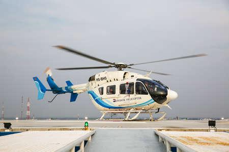 pacientes: practice  air Movement Patients 3 April 2016 at bangkok hospital khonkaen