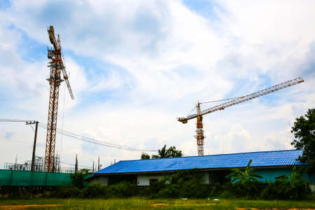 The construction crane on sky 版權商用圖片