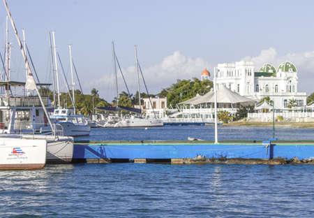 sailboats moored in beautiful beach of the Caribbean Sea with views of a beautiful nautical club Zdjęcie Seryjne