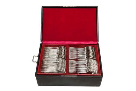 Argenterie vintage dans une boîte en velours rouge, vers 1920 Banque d'images - 97234077