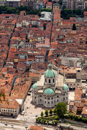 Aerial view of the city of Como and its Cathedral. Como Lake. Italy Banque d'images