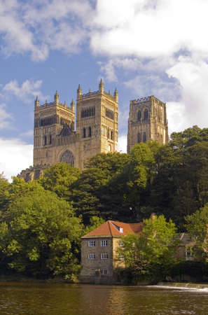 durham: Durham Cathedral and River Wear