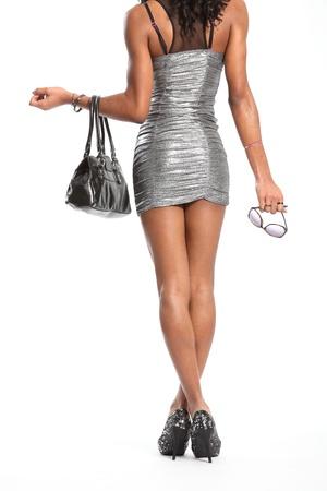 vestido corto: Sexys largas piernas de moda en resumen modelo vestido